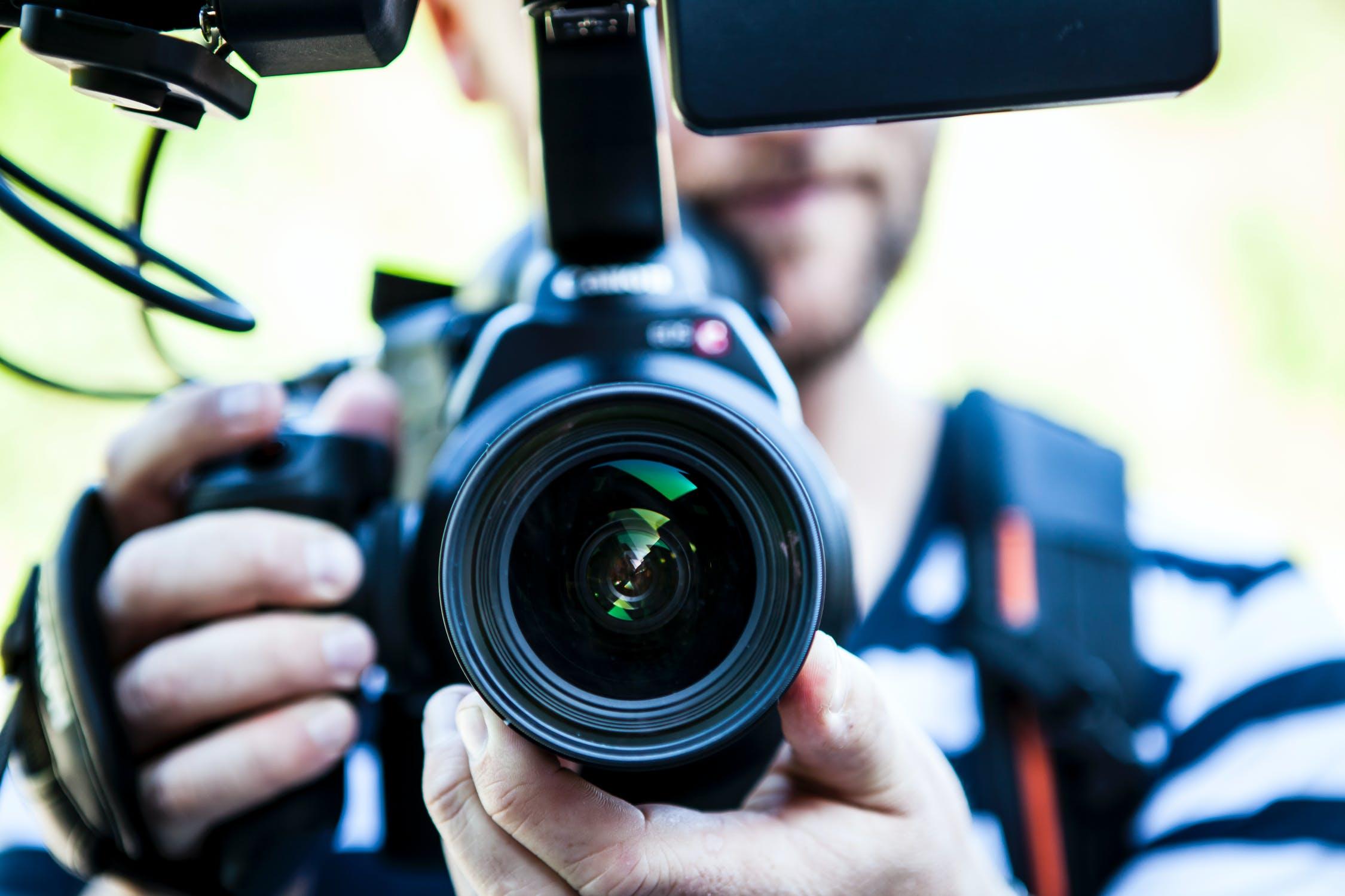 Càmera de vídeo | Pexels | Sindicat de Periodistes de Catalunya